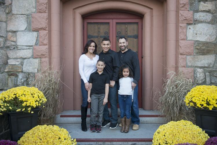 shaina and family-8801