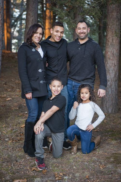 shaina and family-8895