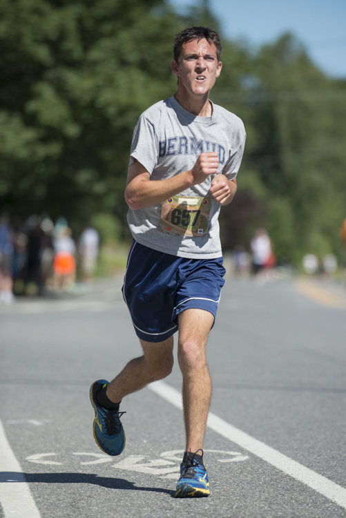 an inspired runner at The High St Mile in Newburyport