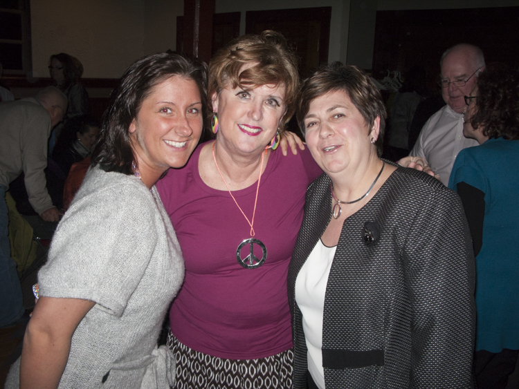 abby. linda, and carol ann at the cabaret