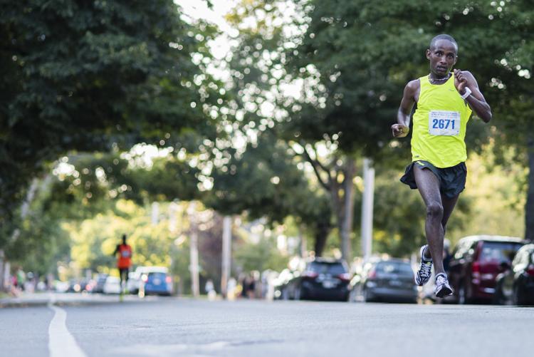 running on air at the Newburyport 10 miler